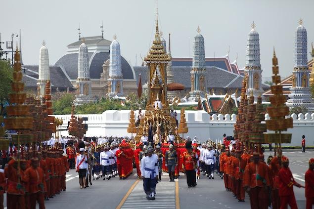 thailandia processione Il Funerale della Principessa Bejaratana Rajasuda   Thailandia