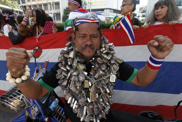 thai protest hero Thailandia: contro rivoluzione contro il Thaksinismo e rischio di guerra civile