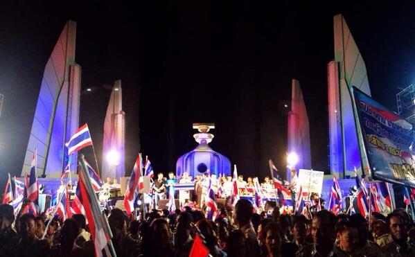 thai protest rajdamnoen Thailandia: contro rivoluzione contro il Thaksinismo e rischio di guerra civile