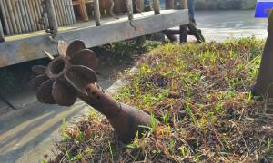 Proiettile di mortaio esposto all'ingresso del COPE Centre di Vientiane