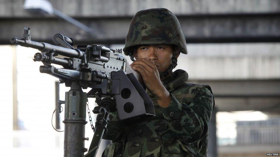 thai legge marziale Legge marziale in Thailandia, colpo di stato mascherato?