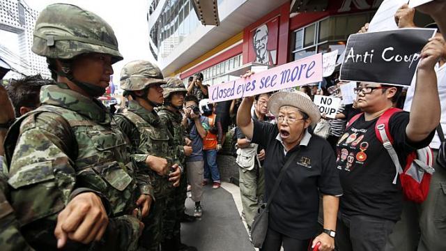 "thailandia militari foto EPA Thailandia: attivista democratica ""torturata"" dai militari"