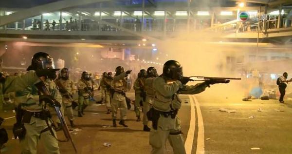 hk polizia Hong Kong: proteste per la Democrazia