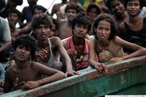 Migranti Rohingya nelle acque al largo della Thailandia - AFP PHOTO / Christophe CHAMBAULT (Photo credit should read CHRISTOPHE ARCHAMBAULT/AFP/Getty Images)