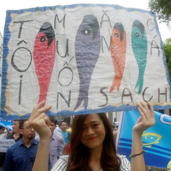 vietnam pesce manifestazione hanoi