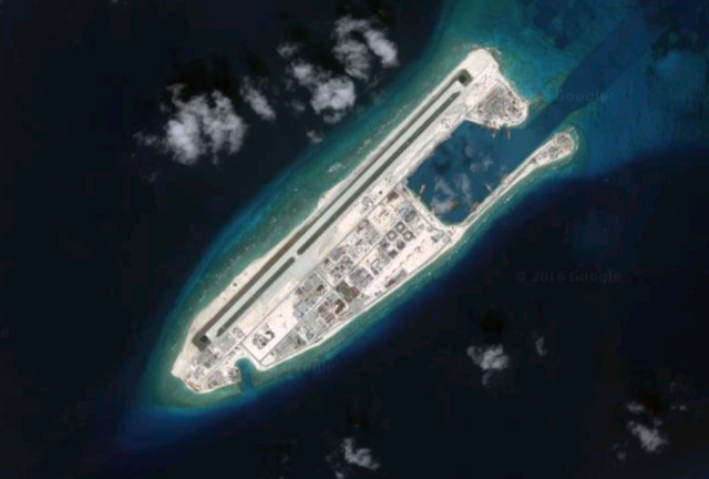 Mar Cinese Meridionale south china see fiery cross reef photo