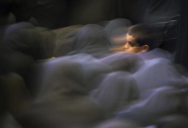 bambino preghiera moschea -Damir-Sagolj-Reuters