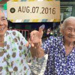 Nonnina 95enne vota al referendum costituzionale in Thailandia